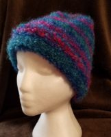 HAND-KNIT STRIPED HAT